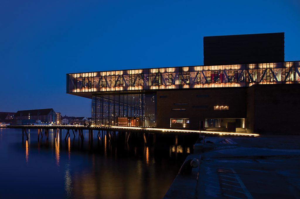 Skuespilhuset Photo: Laura Stamer Copenhagen Light Festival Dansk Center for Lys