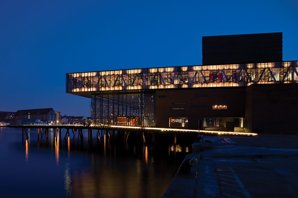 Skuespilhuset Photo: Laura Stamer Copenhagen Light Festival Dansk Center for Lys